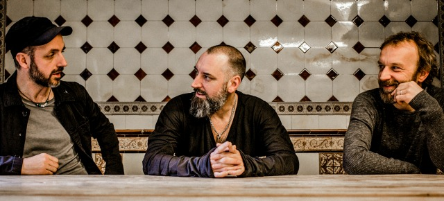 Fink unveil new single 'Looking Too Closely'